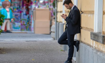 The Texting Rules of Dating – How To Text Your Crush
